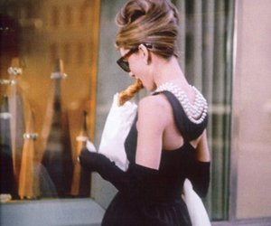 audrey hepburn, Breakfast at Tiffany's, and tiffany image