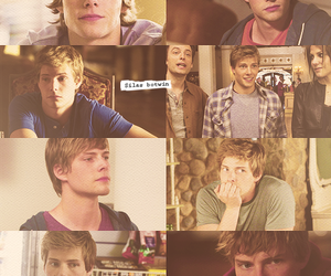 Hunter Parrish, weeds, and silas botwin image