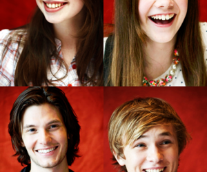 anna popplewell, georgie henley, and ben barnes image