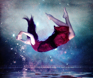 girl, water, and stars image