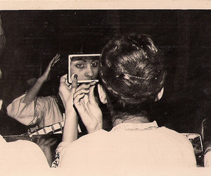 girl, mirror, and vintagem lady image