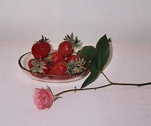 rose and strawberry image
