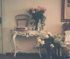 vintage, flowers, and room image