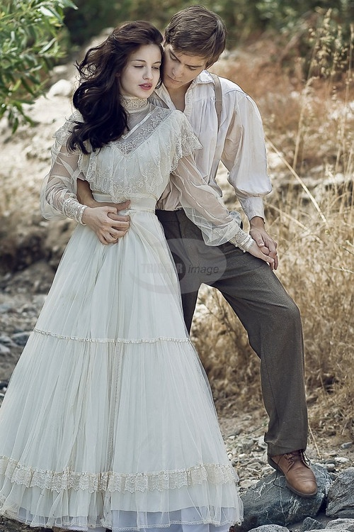 Prairie County Old West  Young Couple In Victorian -4517