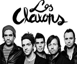 guys, Hot, and los claxons image
