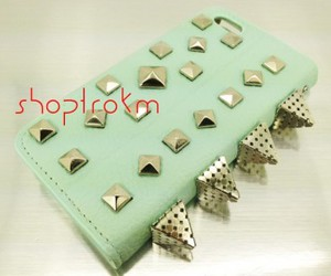 mint, pyramid, and spikes image