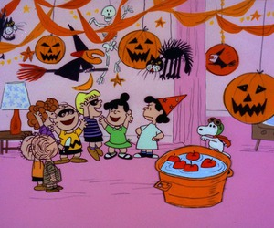 Halloween, snoopy, and charlie brown image
