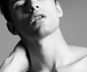 eyes, face, and sean opry image
