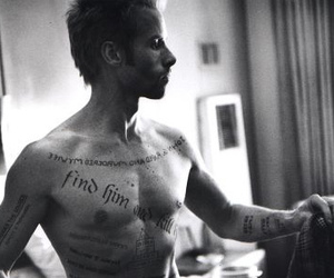 guy pearce and memento image