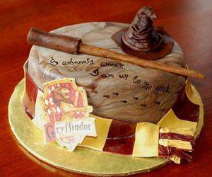 harry potter, cake, and gryffindor image
