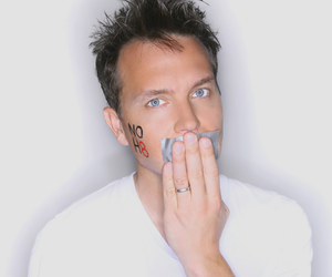 mark hoppus, noh8, and blink 182 image
