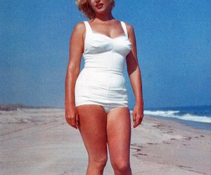 beautiful, body, and marilyn image