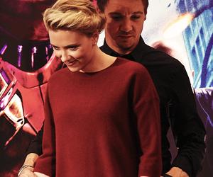 jeremy renner and Scarlett Johansson image