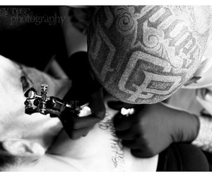 head and tatted image