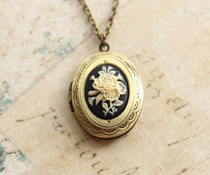 necklace, vintage, and beautiful image