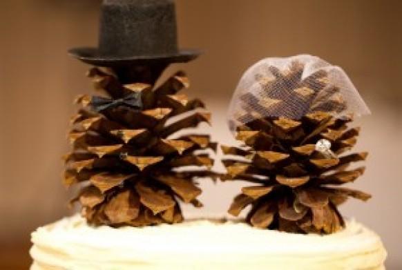 Christmas Wedding Cake Toppers.Diy Pinecone Cake Topper For Winter Wedding Christmas