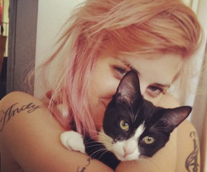 juliet simms and girl image