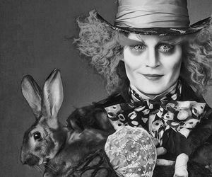 alice in wonderland, johnny depp, and black and white image