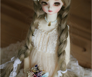 ball jointed doll, bjd, and doll image