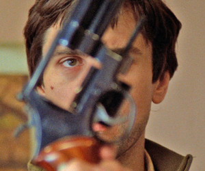taxi driver, gun, and robert de niro image