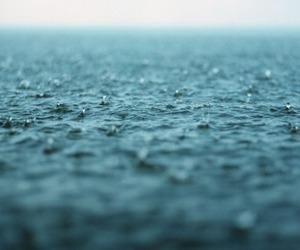 sea and rain image