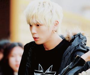 k-pop, korean, and himchan image
