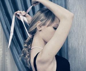 girl, hair, and ribbon image