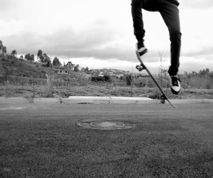 black and white, boy, and skate image