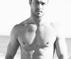 actor, chicago fire, and taylor kinney image