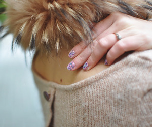 clothes, fur collar, and hand image