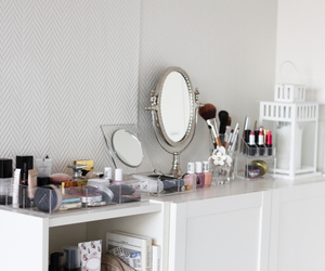 make up, mirror, and white image