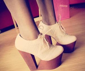 pretty feet image