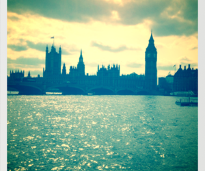 london, city, and girl image