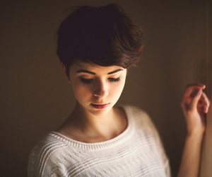 girl, short hair, and pretty image
