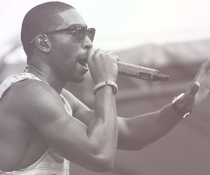Hot and tinie tempah image