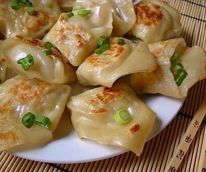 pot stickers image