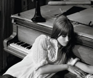 girl, piano, and black and white image