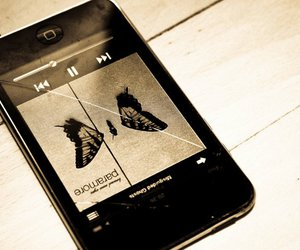 brand new eyes, broken, and ipod image