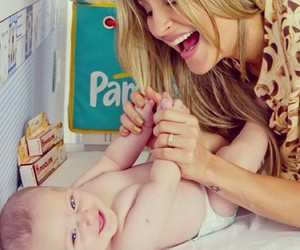 baby, blond, and claudia leitte image