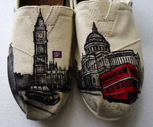Big Ben, red bus, and toms image