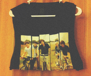 crop top, 1d, and Harry Styles image