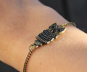bracelet, jewelry, and outfit image