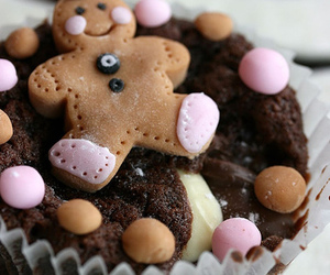 cupcake, gingerbread man, and cute image