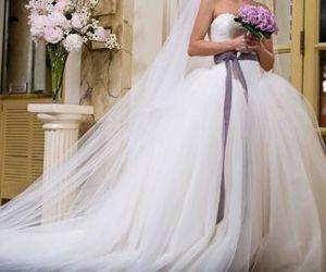 Bride Wars, dress, and fashion image