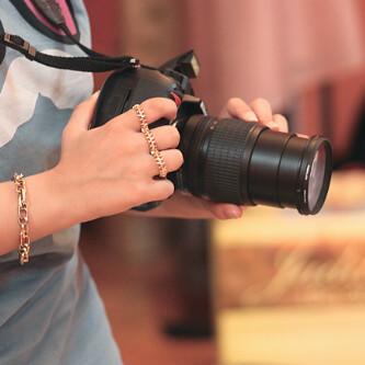 رمزيات بنات ماسكين كاميرا كانون