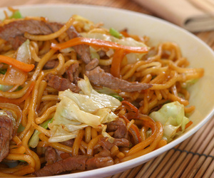 food and yakisoba image