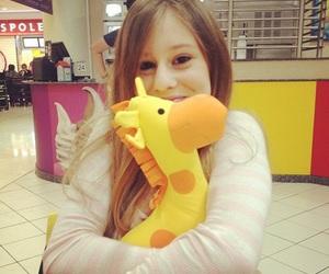 girafa, girl, and girls image