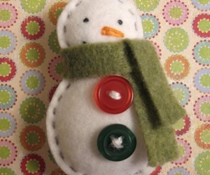 buttons, felt, and snowman image