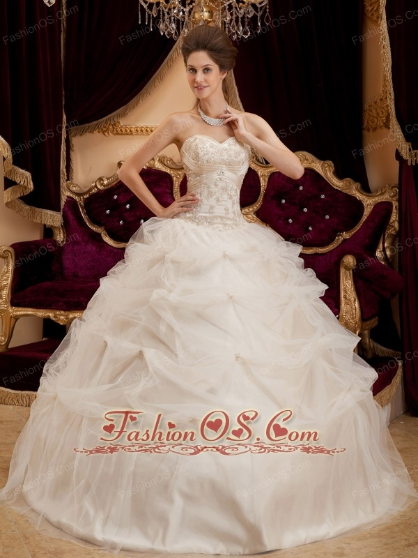 5b131d155f1 Beautiful Ivory Quinceanera Dress Sweetheart Satin and Organza ...