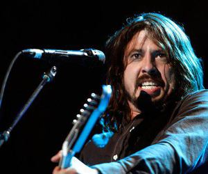 dave grohl and foo fighters image